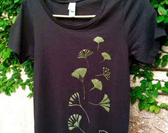 Ginkgo Leaves Women's Organic Cotton Tee