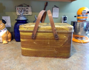 Vintage 1950s Lake House faux Wood Grain Tin Picnic Basket with Wooden handles, decorative storage, camping