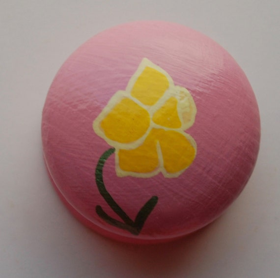Daffodil Drawer Knob/ Cupboard Handle- Pink handle- 3 Sizes Available 30mm, 40mm, 53mm