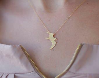 Gold Seagull Necklace, Flying Bird Necklace, Bird Charm, Woodland Jewelry, Bird Pendant, Gold Bird Necklace, Seagull Necklace, Bird Jewelry