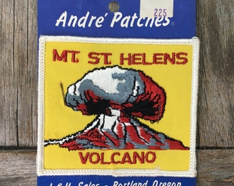 Mount Saint Helens Volcano Vintage Souvenir Travel Patch from Andre Patches