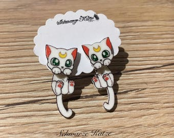 Earrings Artemis Mondkatze