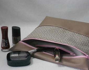 pouch / clutch makeup/Toiletry Kit/manicure kit