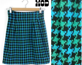 Sassy Vintage 90s Blue, Black & Green Plaid Houndstooth Pencil Skirt!
