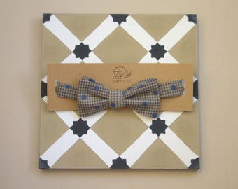Bow tie-adjustable adult beige Plaid and blue polka dots