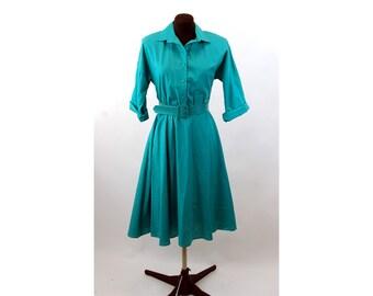 1970s shirtdress American Shirt Dress green cuffed sleeves full circle skirt with pockets  Size 8 Medium