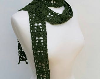 Narrow crochet scarf in forest green, skinny scarf, spring summer accessory