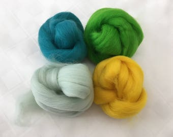 Corriedale Mix- 50+g, Greens/Yellow