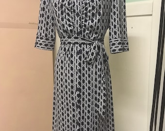 Mod Retro Button Front Shirt Dress-Classic-Super Cute! Quality-Comfort-Dress It Up Or Down-Laundry by Shelli Segal-Medium