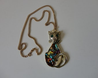 VINTAGE gold tone CAT pendant NECKLACE with rock chip body
