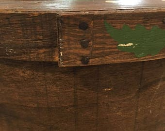 NEW ENGLAND pantry or storage box PRIMITIVE 100+ years old large