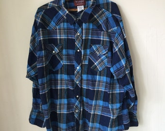 Vintage Flannel size Extra Large - Blue and Black -Indie - Retro - Grunge - Button Front- Plaid- Hip hop - Coat - WRANGLER - Layering