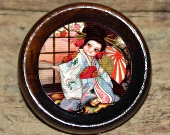 KIMONO Geisha girl Asian art Pendant or Brooch or Ring or Earrings or Tie Tack or Cuff Links