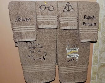 Harry Potter Towels, Custom Harry Potter Bath towel set, Embroidered Towels. Potter Head gift, Harry Potter, Housewarming gift, Birthday