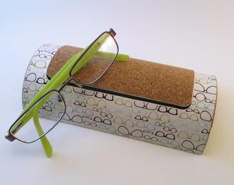 Etui à lunettes en carton recyclé en liège et papier création - Création unique