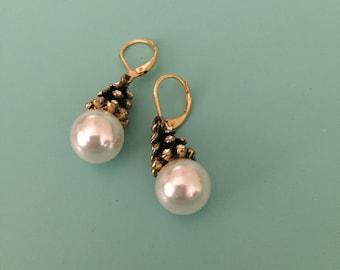 Art Deco Earrings / Pearl Earrings / Wedding Earrings/ Bridal Earrings/ Dangle Earrings / Bridesmaid Gift/ Gold Earrings/ Statement Earrings