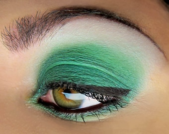DRAGON Green Mineral Pigment Eyeshadow Vegan Emerald Makeup