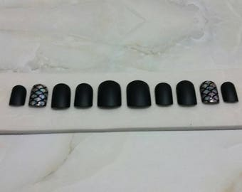 Matte black, Holo Mermaid press on nails