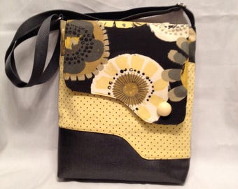 AC7- Crossover: modern yellow flower bag with magnet closure, front and inside pocket and adjustable strap