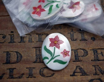 Vintage Cabochon Mother Of Pearl Cab with Red Flowers 30x22mm (1)