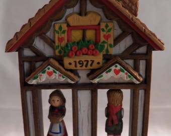 "Vintage 1977 Hallmark ""Weathervane"" Twirl-About Ornament"
