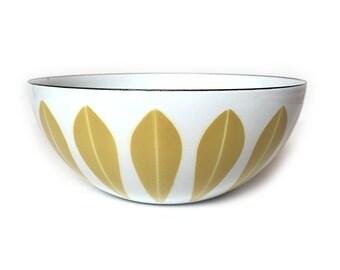 Vintage Cathrineholm Mustard Wheat on White 8 Inch Lotus Enamel Bowl Mid Century Modern Norway