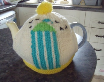 Beach hut tea cosy to fit a 6 cup teapot
