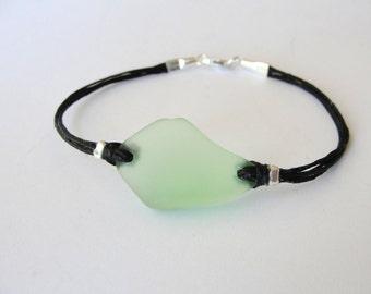 Seaglass bracelet, Green Beachglass, bracelet Valentines Gift, gift for woman, gift for her, beach bracelet, ready to ship