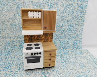 Lundby Stove and Wood Counter  made in England Barton  Doll Furniture Kitchen white  MCM