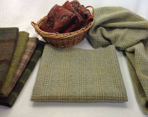 Fat 1/4 Yard, Happy Green Plaid, Wool Fabric for Rug Hooking and Applique, W417, Light Green Plaid, Country Green Plaid, Small Green Plaid