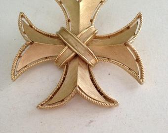 Vintage Gold Maltese Cross Trifari Pin/Pendant  FREE SHIPPING