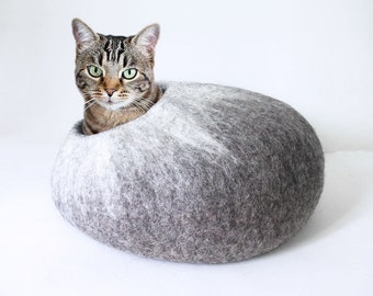 Felted Wool cat cave in grey and white colours, 100% natural eco friendly pet house, wool felted cat cocoon, cat bed, cat house