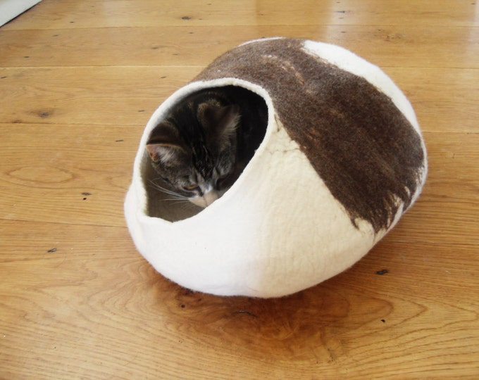 Natural eco friendly Cat Bed, cave, house Hand Felted Wool with FREE Cat Ball