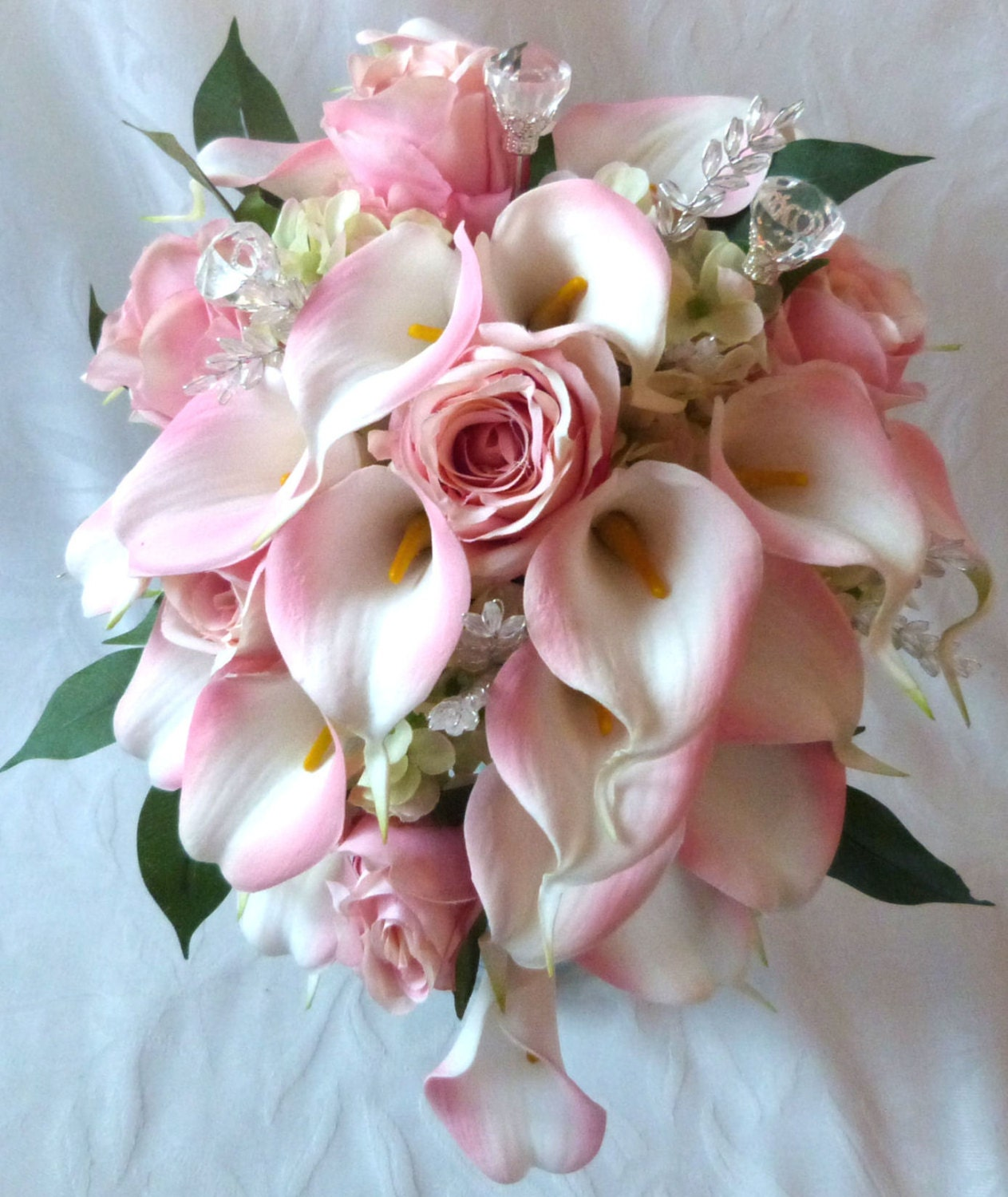White Calla Lily Wedding Bouquets Showing Simple and ... |Lily Bridal Bouquets