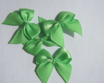 4 fabric satin bow green 23x25mm - (A133)