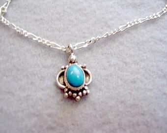Sterling et turquoise collier en argent Collier, la chaîne Figaro de 19 pouces, les mariées quelque chose bleu, collier de pierres précieuses, breloque Turquoise