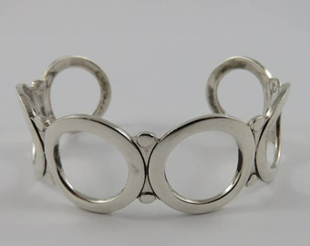 Ladies Sterling Silver Circle Cuff Bracelet