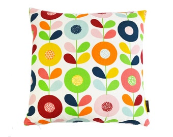Scandinavian Retro multi stem flowers fabric cushion cover  - Cirkelblomma