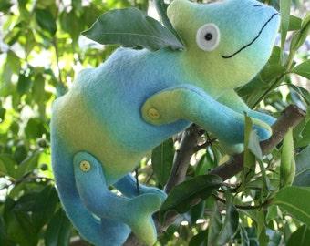 Karma Chameleon : chameleon pattern, lizard pattern, plush chameleon , chameleon toy, felt chameleon, lizard toy, toy sewing pattern