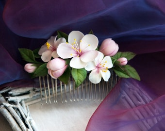 Flower Hair Comb with white flowers