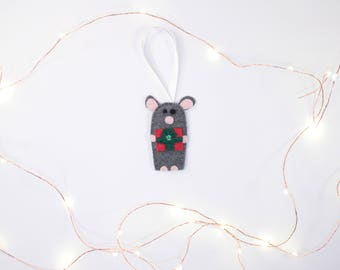 Cute Mouse Ornament With Present
