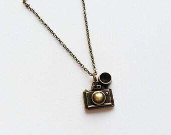 CAMERA Necklace Camera Jewelry Camera Gift Photographer Necklace Photographer Jewelry Photographer Gift Camera Charm Movie Camera Pendant