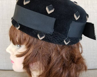 Vintage Women's Black Felt Pillbox Hat