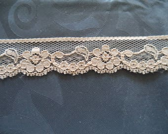 lace nude width 2 cm of superb quality