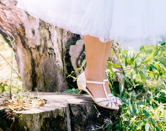 Wedding day sandals / bridal sandals / vegan sandals / vegan shoes / low heel shoes / pearl coloured sandals / comfortable