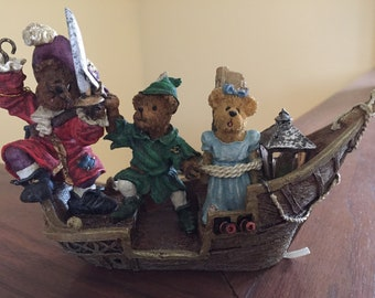 Boyds Bears and Friends Peter Pan figurine THE RESCUE