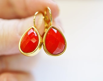 Vintage Joan Rivers Gold Pierced Earrings - Gold Tone Red Teardrop Earrings - Bright Red Faceted Cabochon Earrings - Gift for Her - Under 20