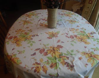 Large harvest Thanksgiving tablecloth in autumn colors rust, green, gold, beige large leaf pattern / vintage tablecloth 56 x 78