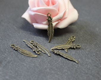 Feather charms 10 x 25 x 6 mm BRB73 bronze metal