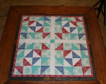 Mini quilt. table topper
